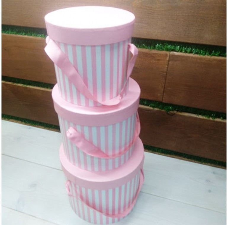 Шляпные коробки в полоску розовый