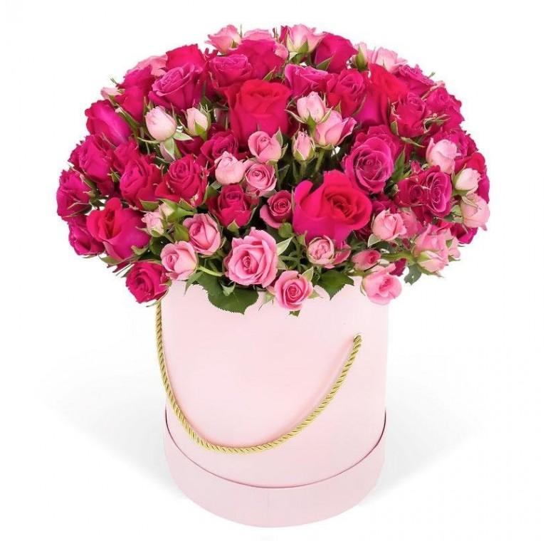 Цветочная композиция из кустовых роз