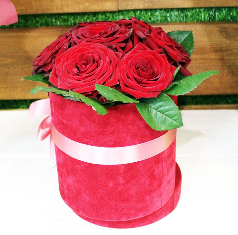 розы в коробке с доставкой в Молодечно